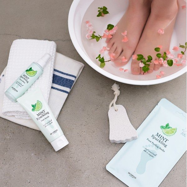 Skinfood Mint Sparkling Foot Peeling Socks 2018 beauty resolutions