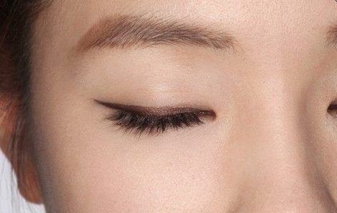 k-beauty smoky eye
