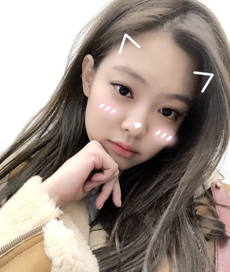 The 7 Top Selfie Apps Korean Celebrities Can't Get Enough Of