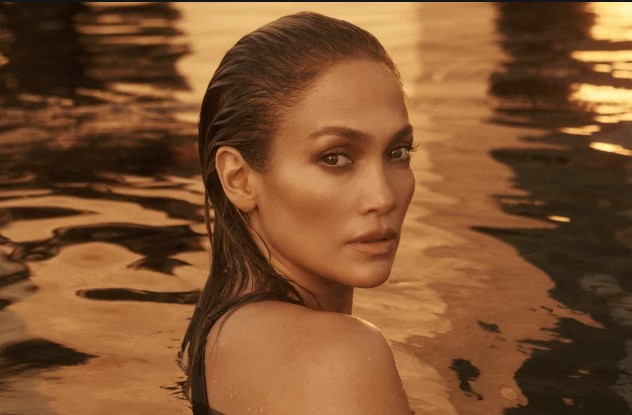 Is Olive Oil The Secret To That Ageless, J.Lo-Level Glow? Leading Experts Weigh In