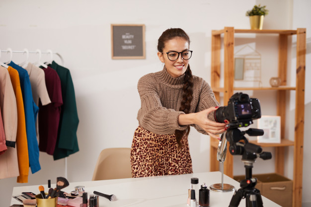 how beauty professionals can boost their digital footprint,